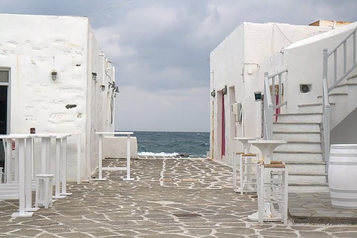 Бар на пристанището в Науса, Парос