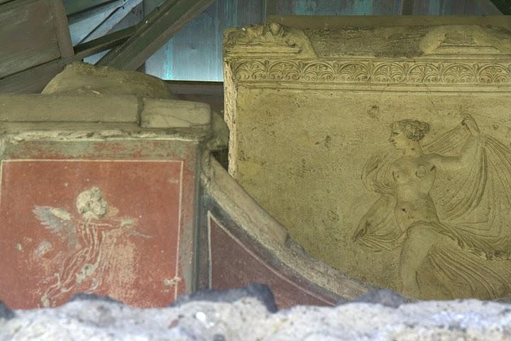 Детали архитектуры города Помпеи