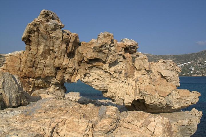 Скали над плажа Елиа