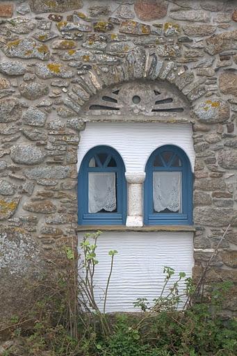 Прозорец в село Волакс