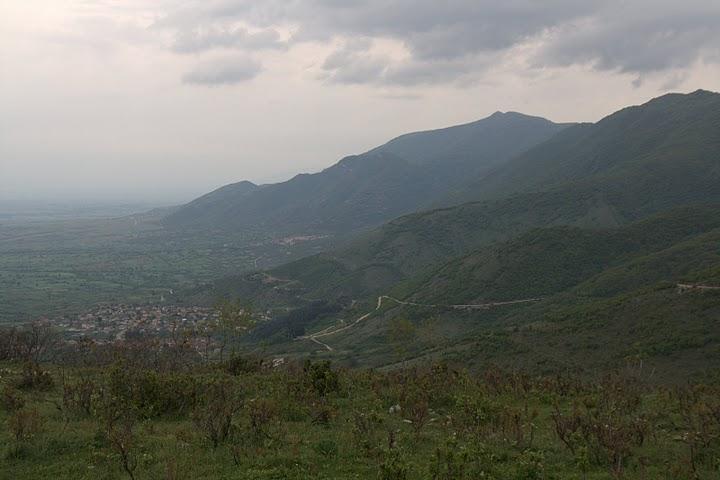 Гледка към село Микрополи