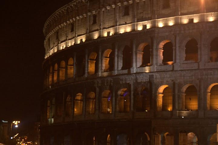 Колизеумът - все още жив