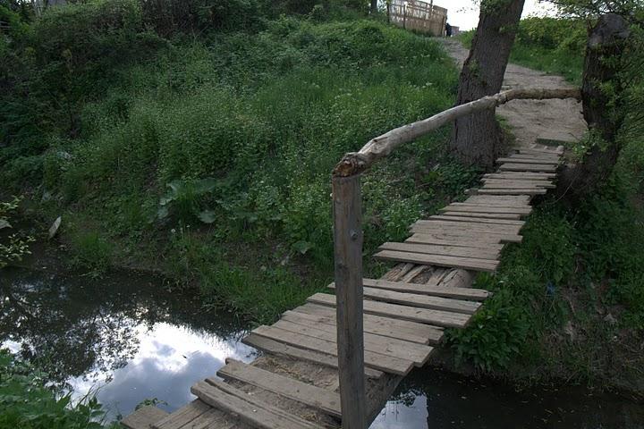Мост над реката край Западен парк