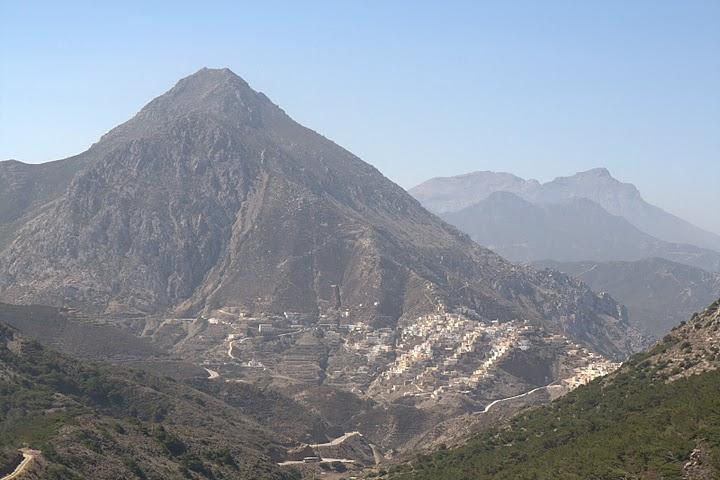 Село Олимбос отвисоко
