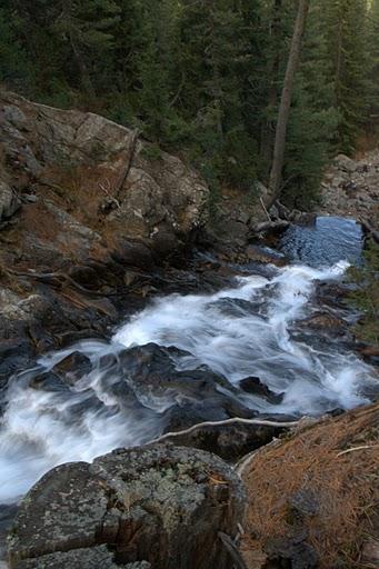 Водата на Ретиже почти свършва в минивеца