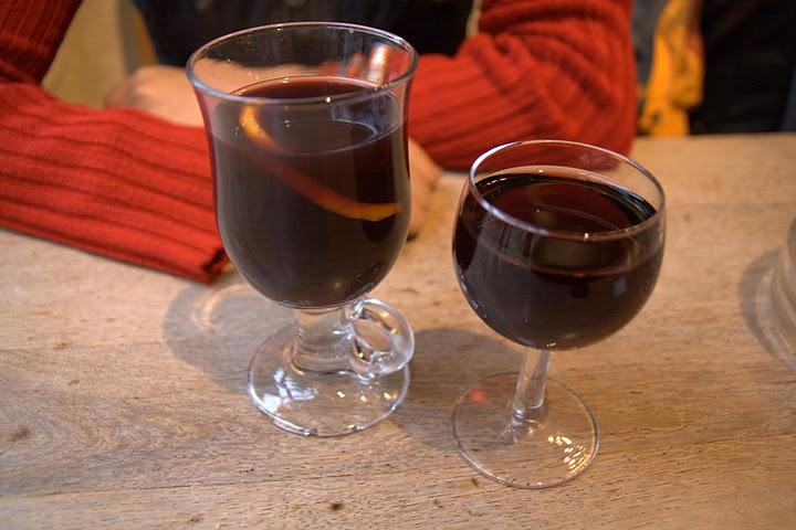 Червено вино снощи пих... в Мец