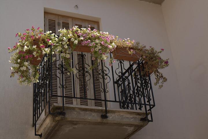 Янински балкон