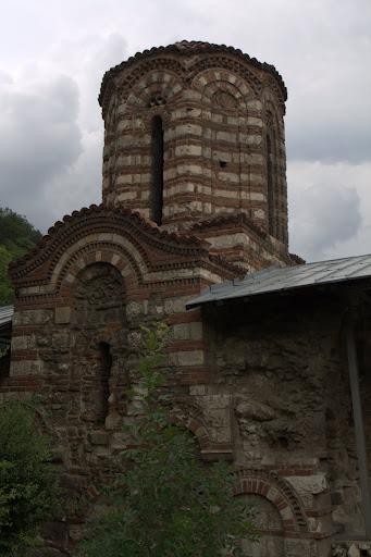 Кръстокуполната църква