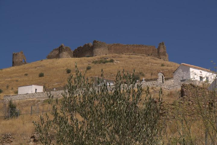 Изоставената крепост над Волисос