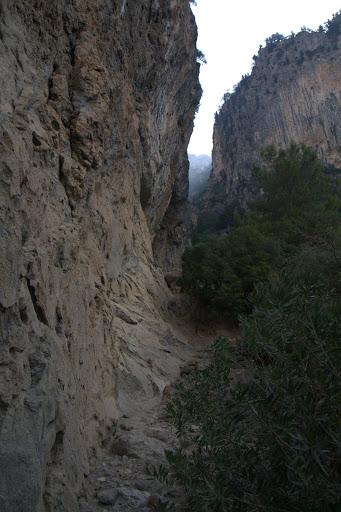 Проход между Кабак и Алънджа