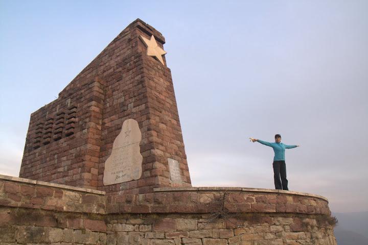 Паметникът на септемврийци през ноември