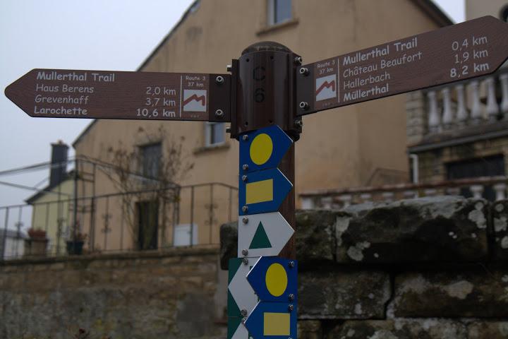 Маркирани пътеки водят до замъците