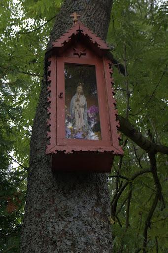 Мадоната се окачва на какви ли не места в Полша