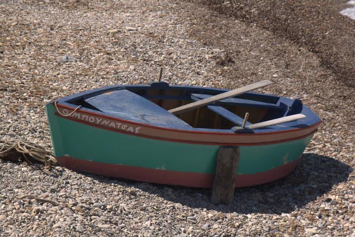 Лодка в Карловаси