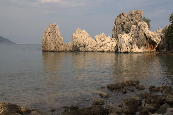 Скали в морето