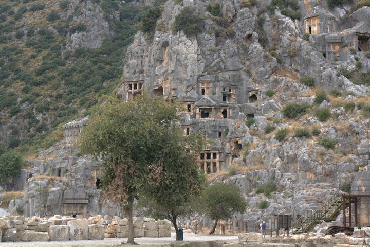 Гробниците в Мира