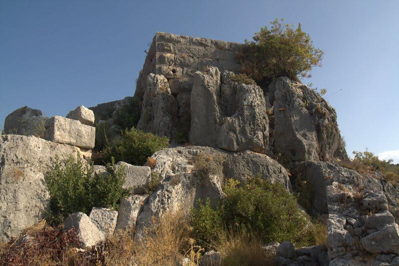 Руини в Ючаъз