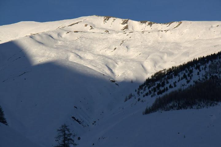 Снежен връх над Вал д'Алос