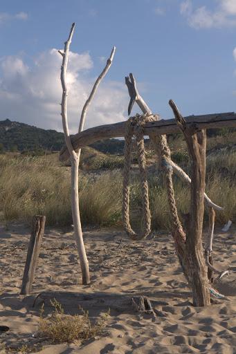Още строителство на плажа