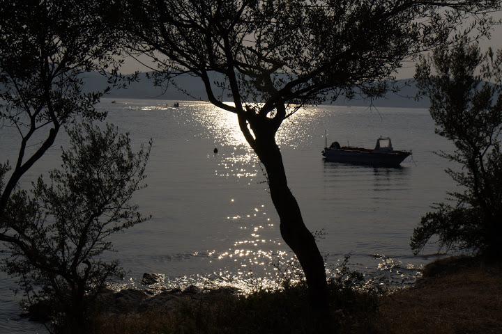 Самотна лодка