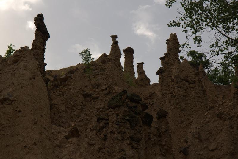 Още кули с шапки