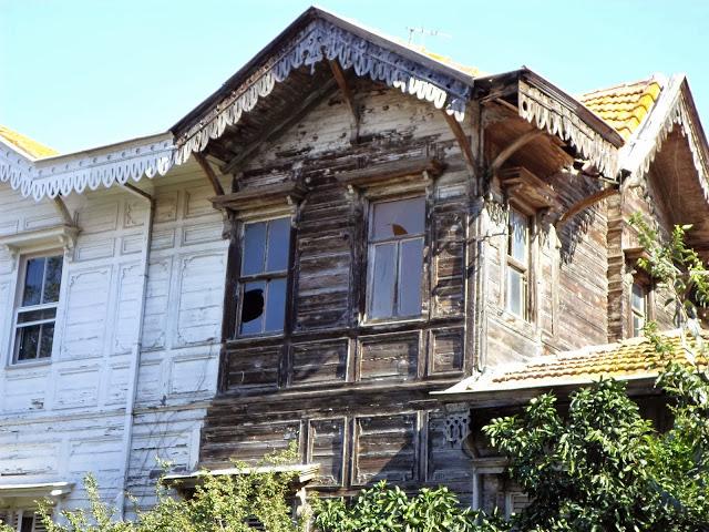 Стари къщи на Бююкада