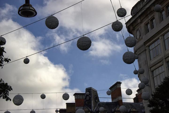 """Снежни топки по """"Оксфорд стрийт"""""""