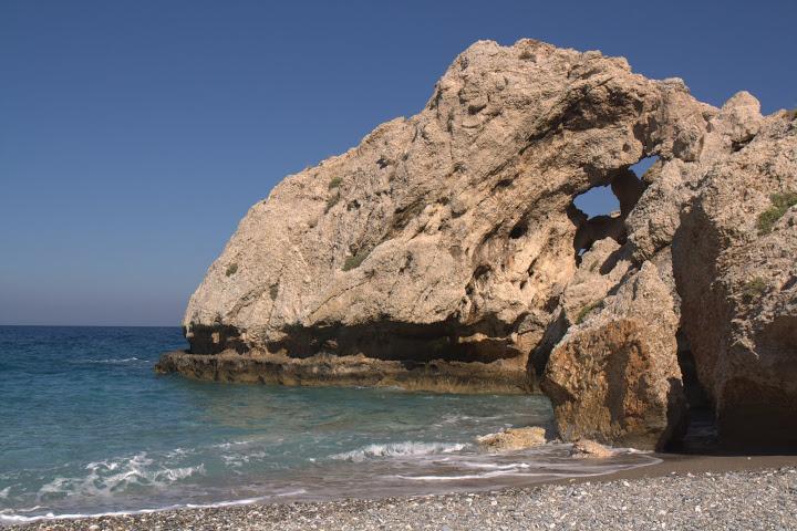Плажът Микро Шейтани