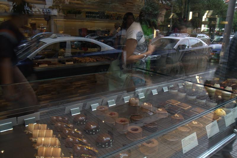 Да си оближеш пръстите - сладкарница в Солун