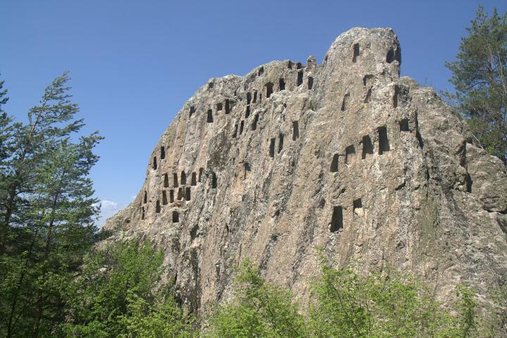 Орлови скали будят вътрешния Индиана Джоунс