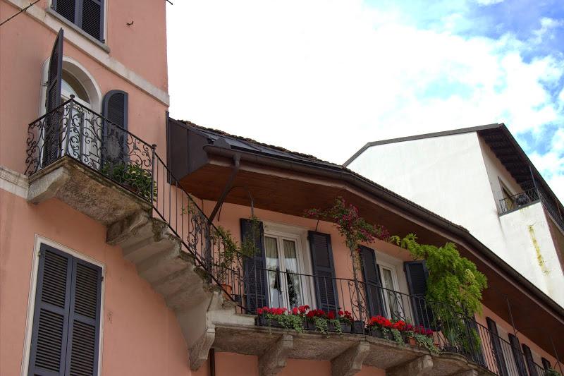 Балконче с чупка