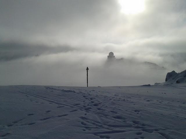 """Гледка от Черни връх към """"Гъбата"""""""