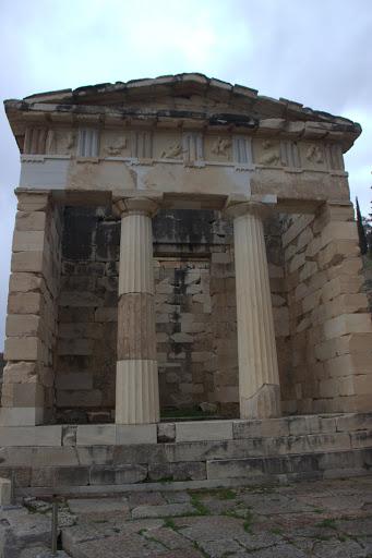 Светилището на Аполон е като малък Акропол