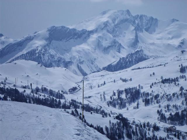 Синкаво от сняг в Деволюи