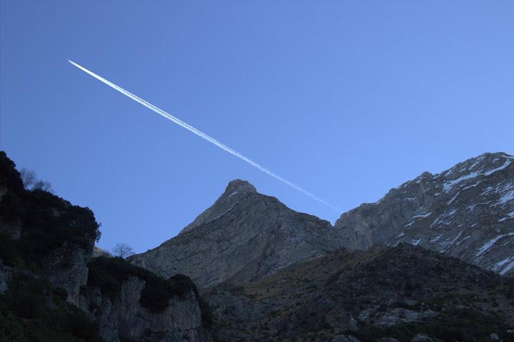 Излитаме: от планината Дзумерка