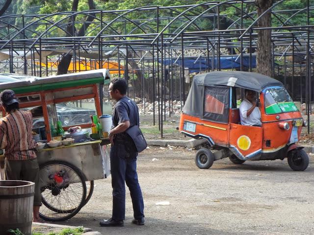 Такси и фаст фууд