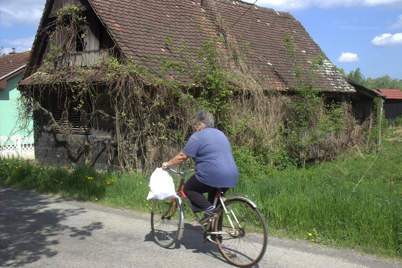 Местна велосипедистка