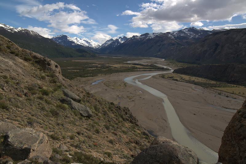 Река в ледникова долина