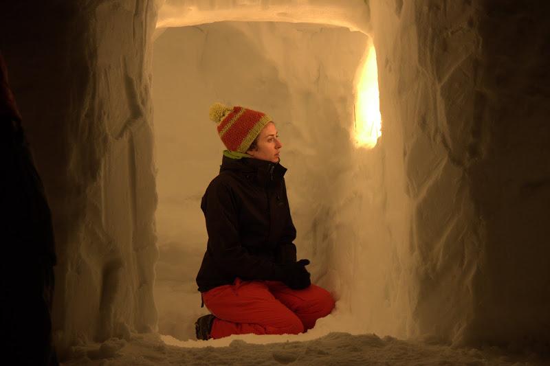 Параклисът в снега