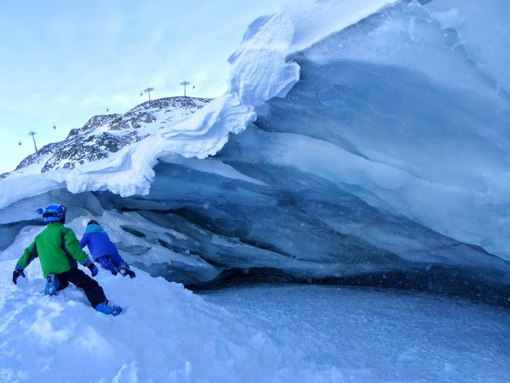 Пещера в леда