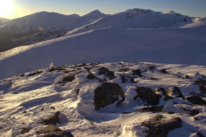 Гледка от Средни връх