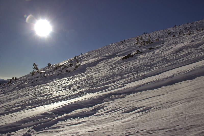 Зимно слънце над Средни връх