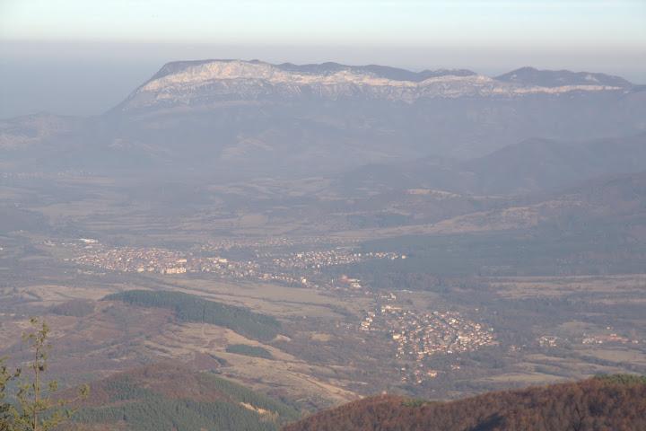 Гледка към Врачански Балкан