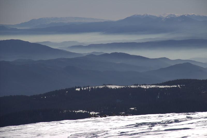 Планини в мъгла