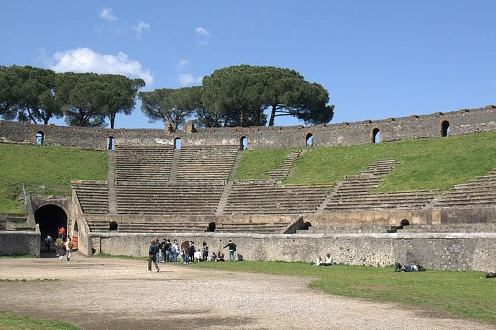Амфитеатр Помпеи